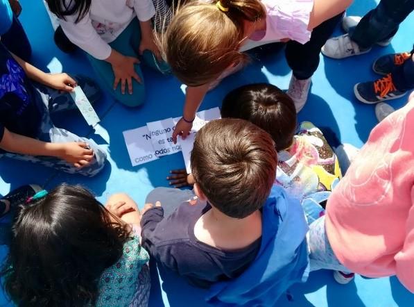 La Conselleria de Educación, Cultura y Deporte colabora con los patios inclusivos de ADACEA
