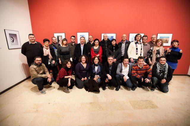 """Febrero 2012 – Exposición de fotografia """"Mírame a los ojos"""""""