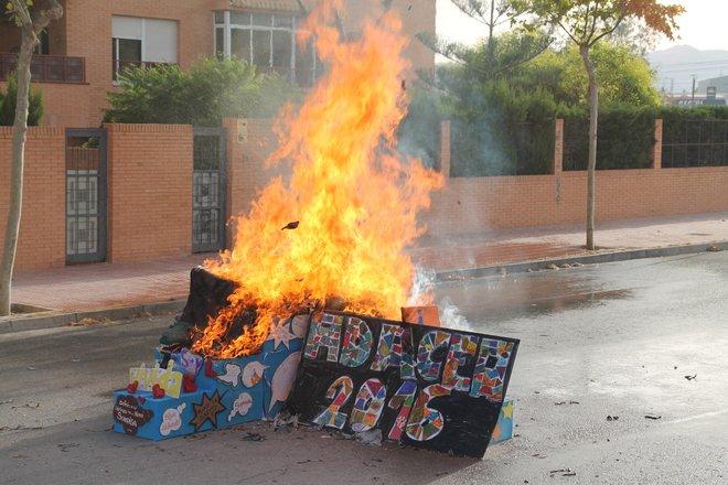 Hoguera de ADACEA Alicante 7 de Julio