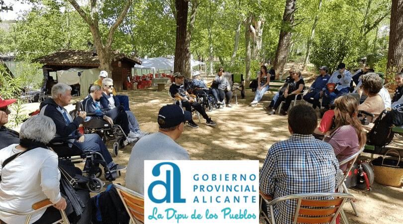 La Diputación de Alicante sigue colaborando con las convivencias y salidas de ADACEA